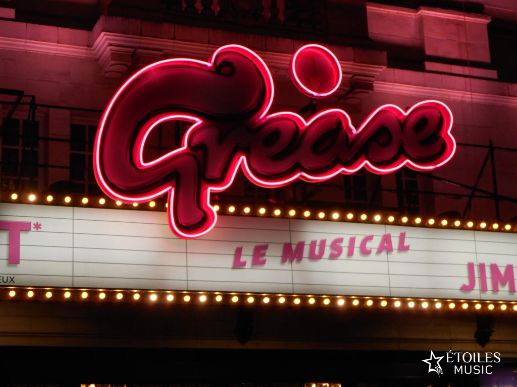 Grease, le musical : la réussite d'une belle adaptation d'un film culte