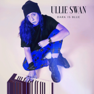 Single « Dark is blue »